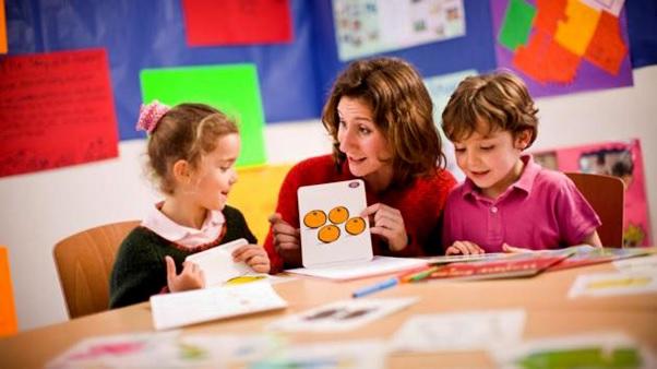دوره عمومی مکالمه زبان کودکان و نوجوانان